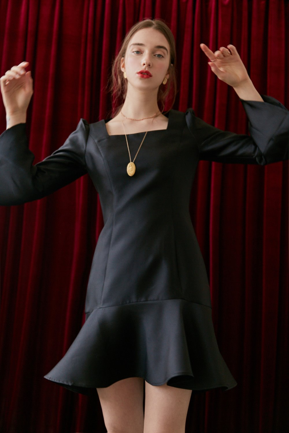 Mikado silk flare dress (Black)