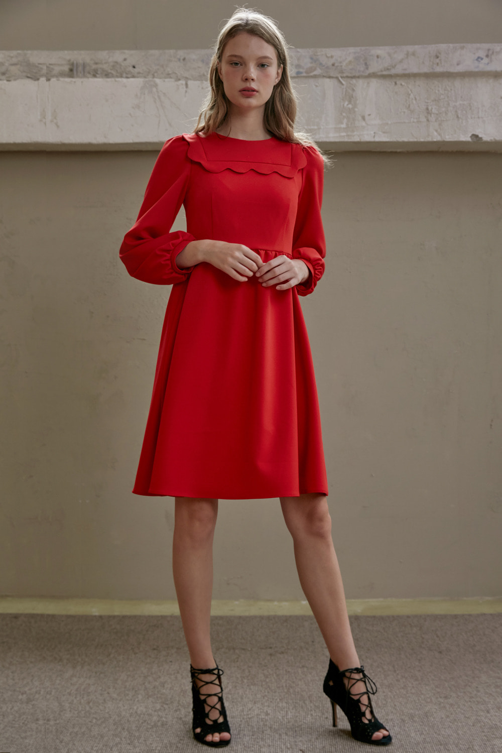 Scallop detail red dress