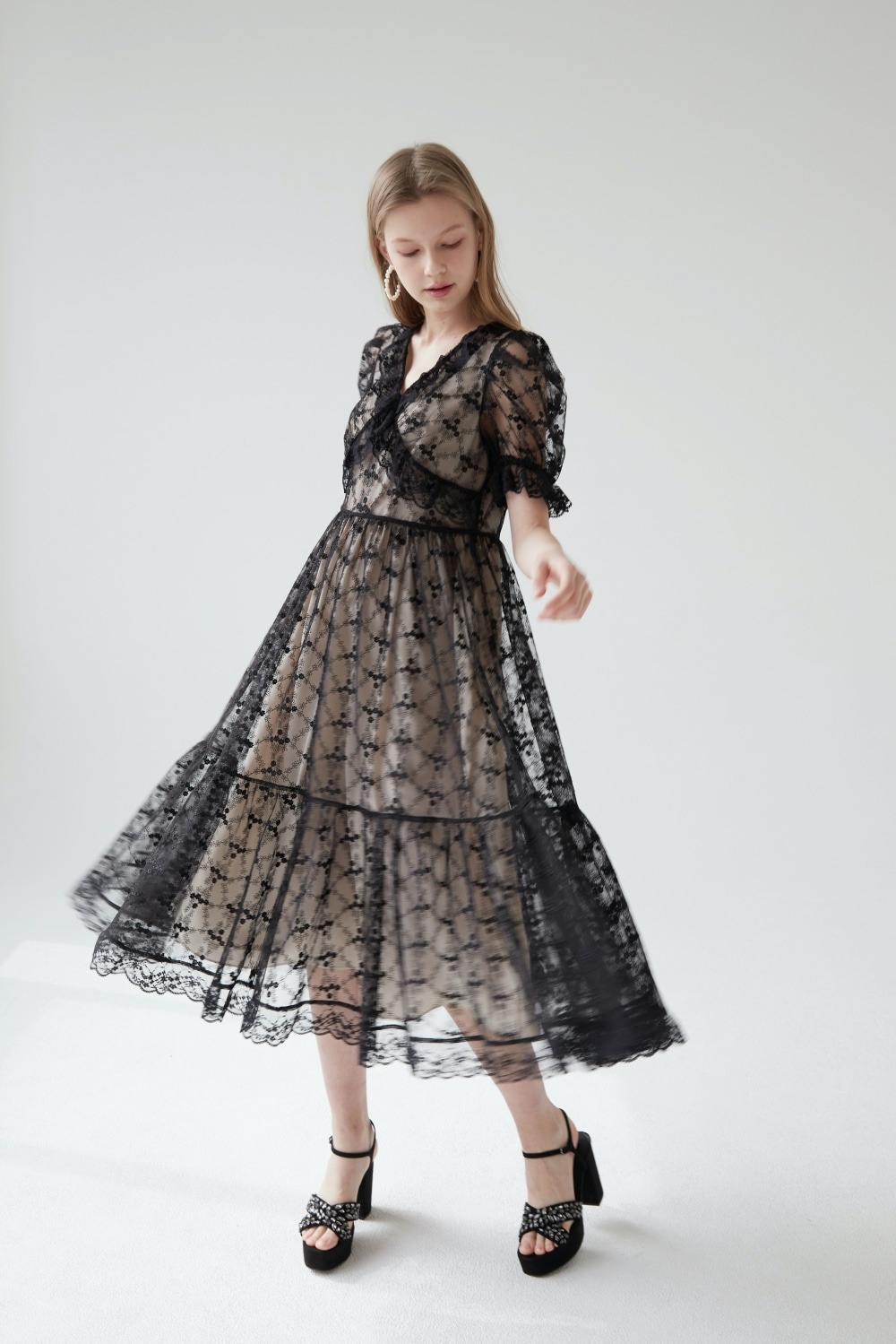 Ruffled lace dress (Black)