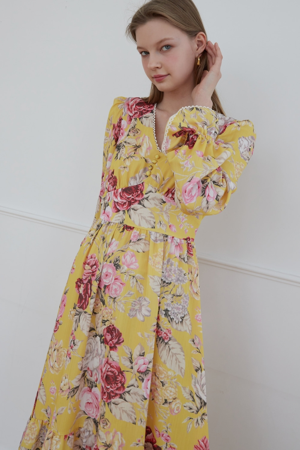 Dreamy flower v-neck dress (Yellow)