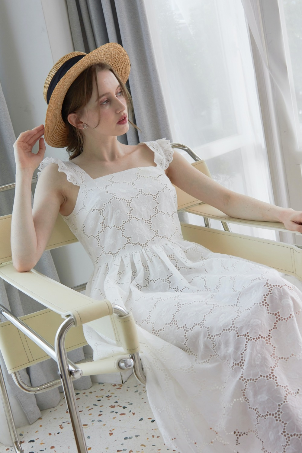 Angel sleeve dress (Lace White)