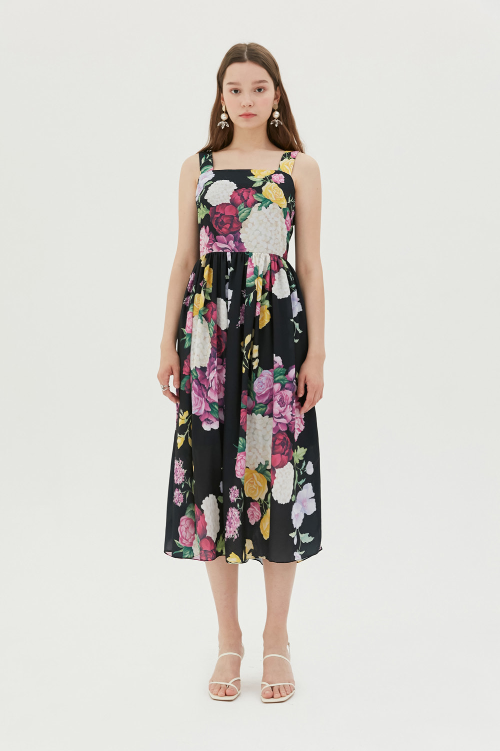 [이하이 착용] Romantic floral print dress (Black)