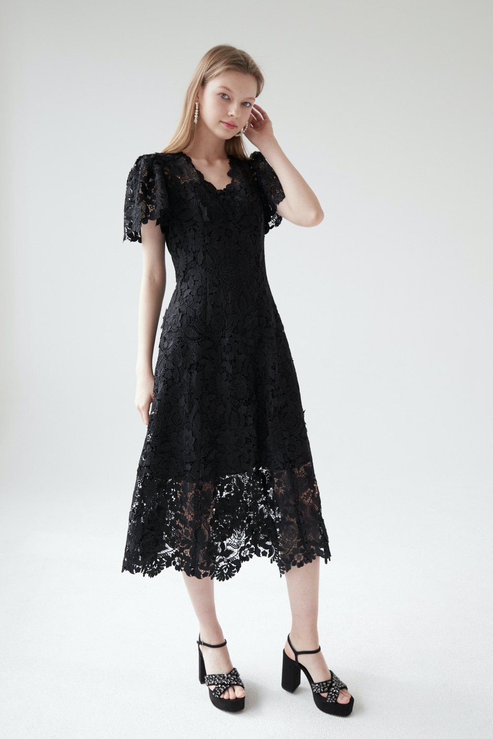 Blooming lace dress (White)