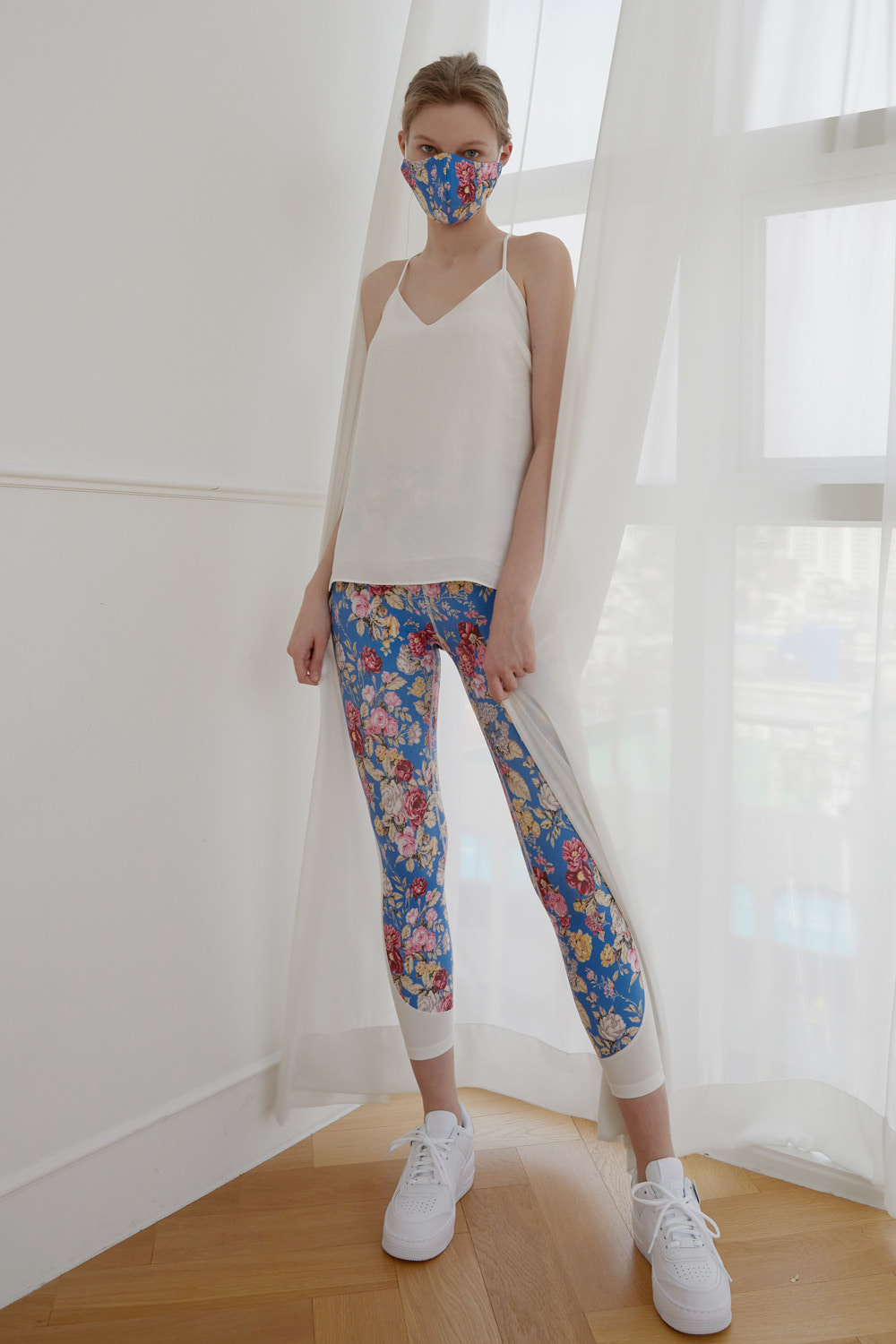 [4/7 예약배송] Dreamy flower leggings (Blue)