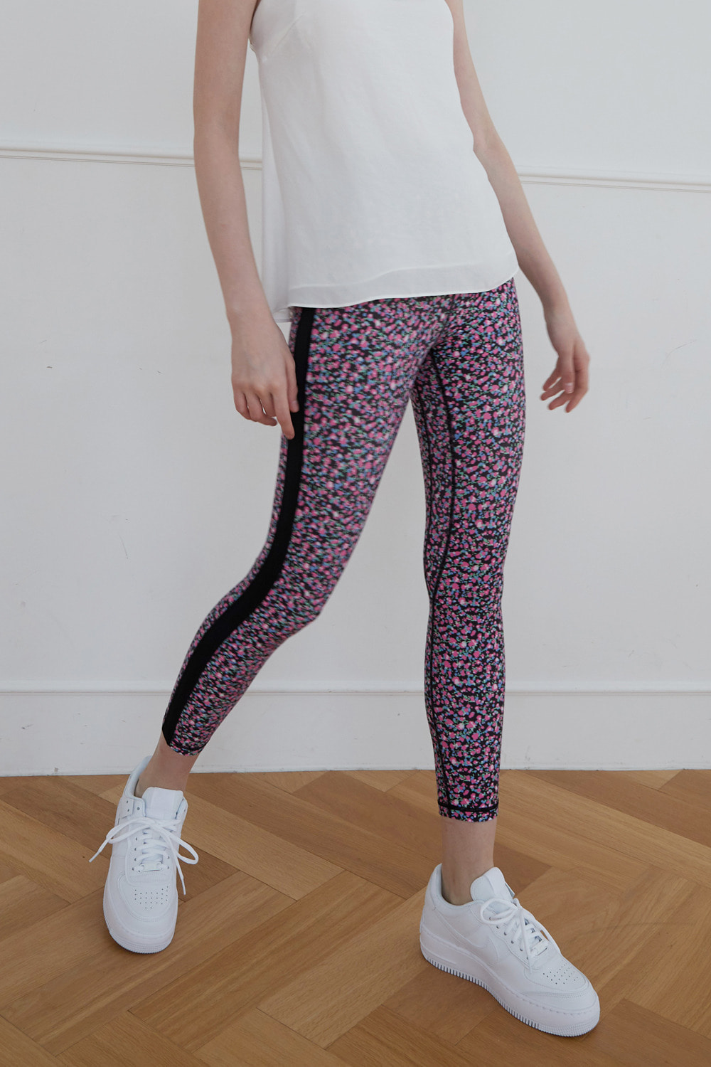 [4/7 예약배송] Dot flower leggings (Pink)