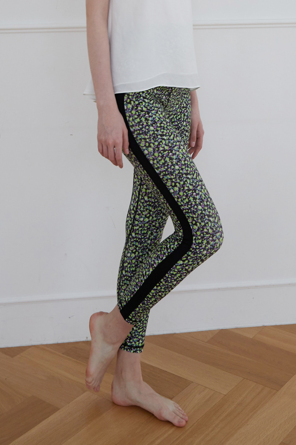 [4/7 예약배송] Dot flower leggings (Green)